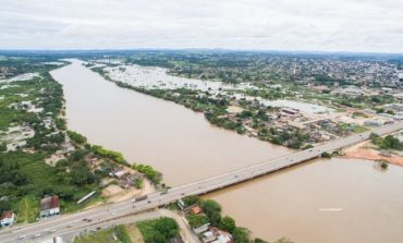 Cheia do Rio Machado deixa famílias desabrigadas