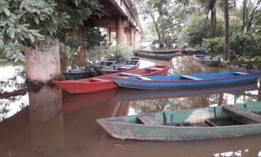 Rio transborda e deixa famílias desabrigadas em Jaru