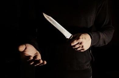 Assaltante armado com faca invade apartamento e pratica roubo, em Vilhena