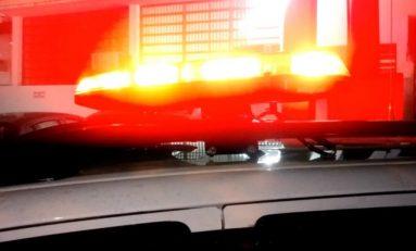 """""""Com pedaço de pau"""": bandidos chamam entregador, roubam motocicleta e são presos em Cerejeiras"""