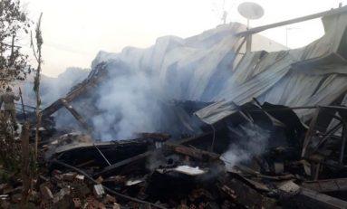 Corpo de Bombeiros investiga causa de incêndio em comércio da Capital