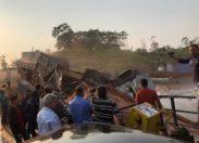 Caminhão que esperava na balsa perde o freio e cai no Rio Abunã