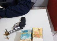 """PRF prende foragido com revólver, grande quantia de dinheiro e comprimidos de """"rebite"""""""