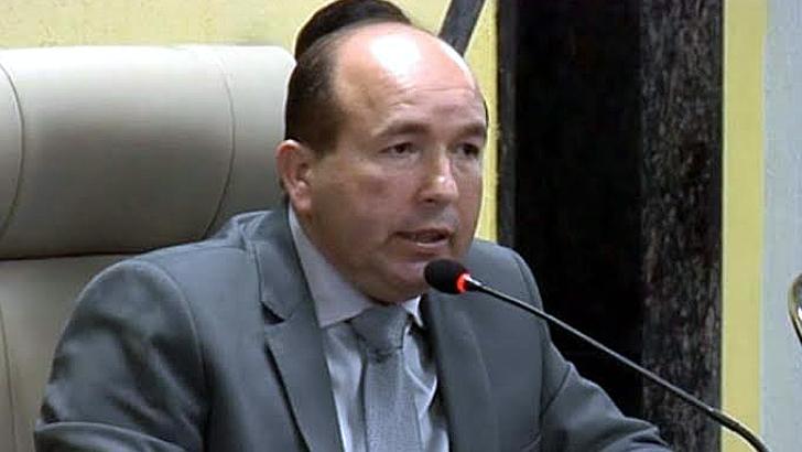 Presidente da Câmara Edwilson Negreiros apresenta projeto que desobriga cobrança de empréstimos consignados a todos os servidores do Município de Porto Velho