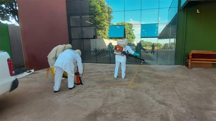 Rede de supermercados de Vilhena adota medidas contra o Coronavirus e contrata empresa especializada para higienizar lojas