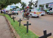 Servidores protestam exigindo condições de trabalho e EPis para combater pandemia