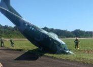 Avião da FAB tem problema no freio ao tentar pousar e sai da pista no Aeroporto de Porto Velho