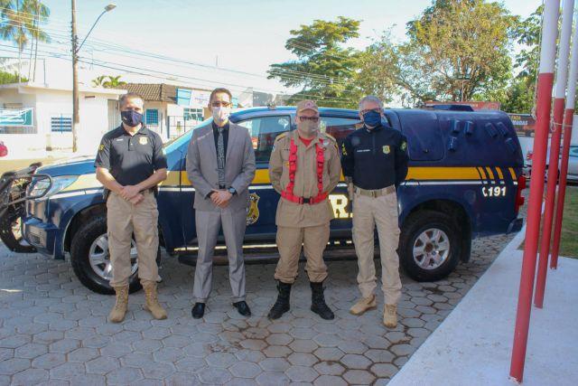 Polícia Rodoviária Federal realiza acordo de cooperação técnica e também doação de viaturas ao Corpo de Bombeiros