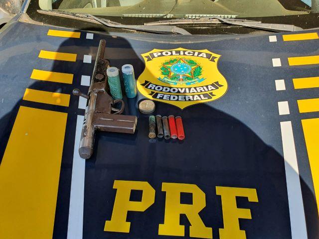 Made in RO: Em Vilhena, PRF apreende arma de fabricação caseira
