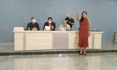 Vice-presidente da Câmara, Maria Simões, é empossada prefeita de Cacoal