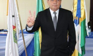 Izael Dias toma posse pela 3ª vez como Prefeito de Cabixi