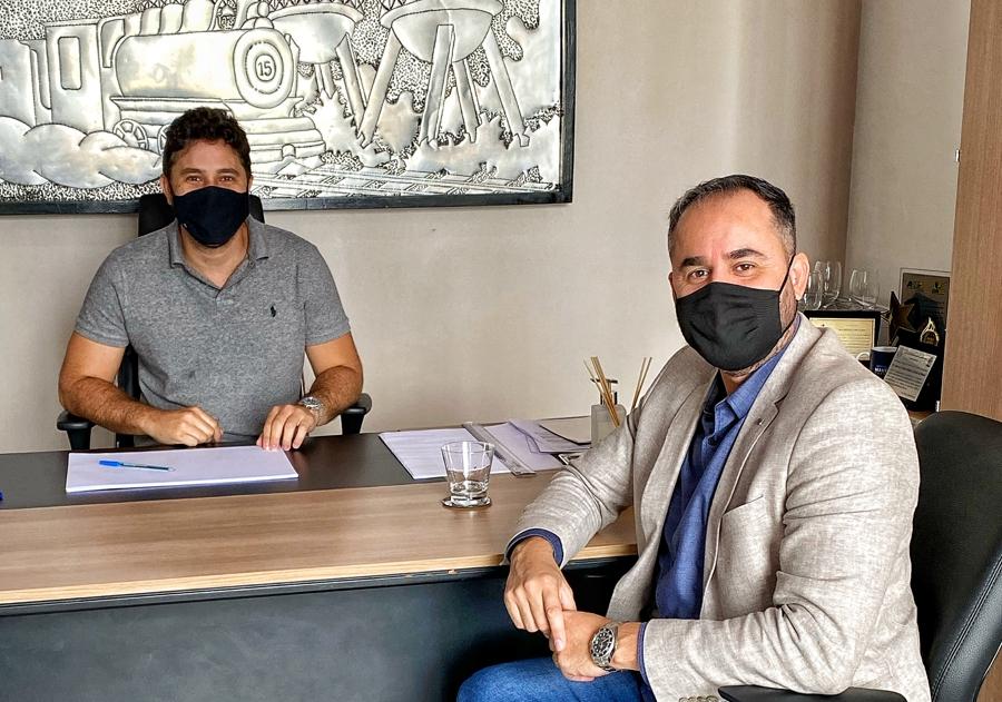 Dr. Luiz Paulo deseja sucesso aos novos administradores de Porto Velho durante encontro na capital