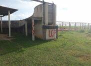 Fazendeiro denuncia pichações e bandeiras deixadas em sua propriedade por membros da LCP