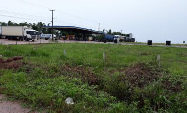Carretas e veículos de passeio se envolvem em acidente de trânsito na BR-364 perto do Distrito do Guaporé