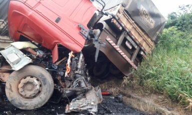 BR-364: acidente entre carretas é registrado neste sábado (20) e deixa dois feridos