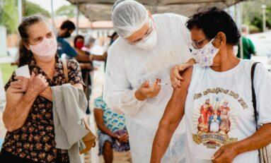 Quase 900 vacinados em três dias: Prefeitura protege idosos com 80 anos ou mais em Vilhena