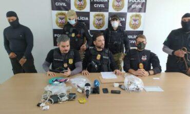 Polícia faz operação para prender grupo criminoso que fez vídeo usando forte armamento para ameaçar imprensa em RO