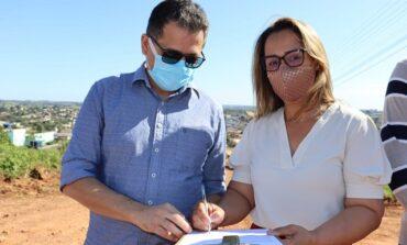 Rosangela Donadon assina ordem de serviço para pavimentação asfáltica de ruas e avenidas de Colorado
