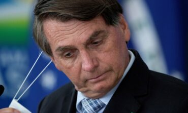 Bolsonaro diz que derrubará a obrigatoriedade do uso de máscara por vacinados ou recuperados da Covid