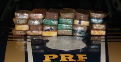 PRF e PMAM apreendem 24,79 Kg de cocaína
