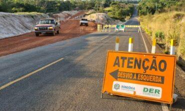 Chupinguaia: DER conclui desvio e interdita ponte sobre o rio Canário na RO-391