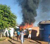 Incêndio é registrado em depósito de empresa em Cerejeiras